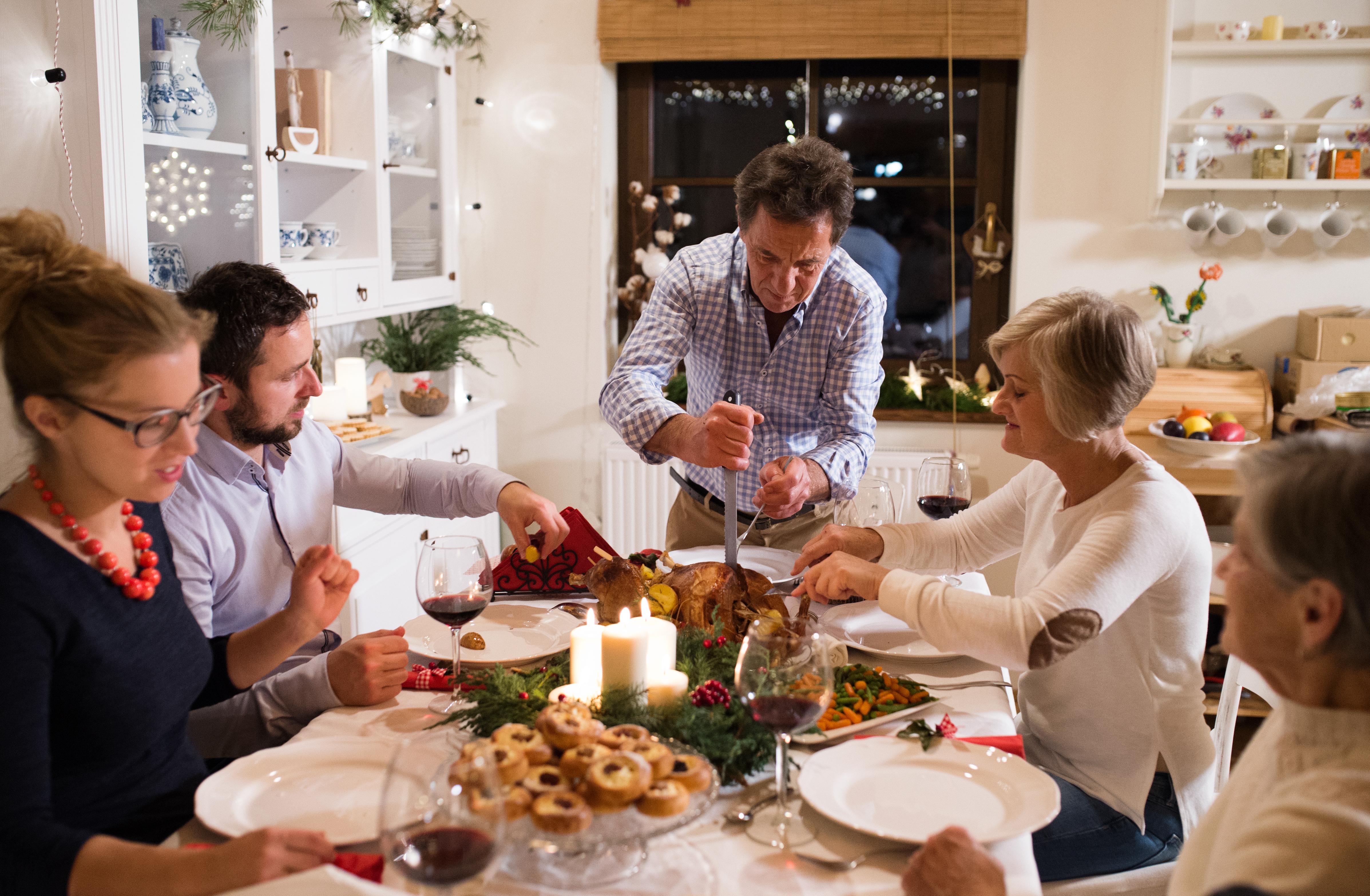 Weihnachtsessen mit der Familie